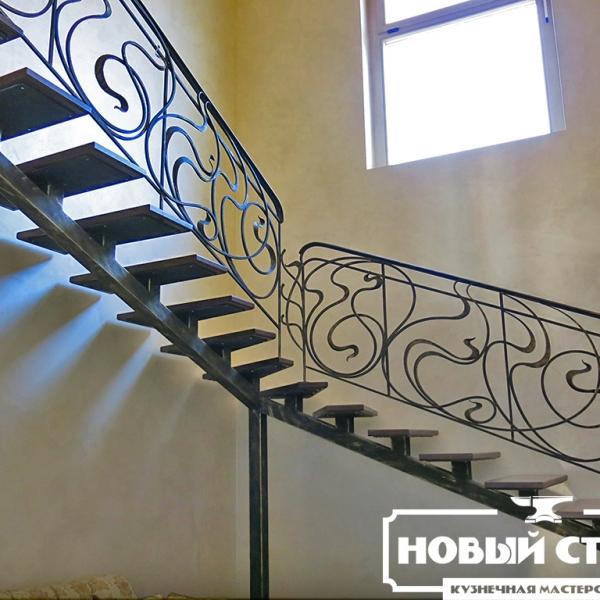Лестница на монокосоуре