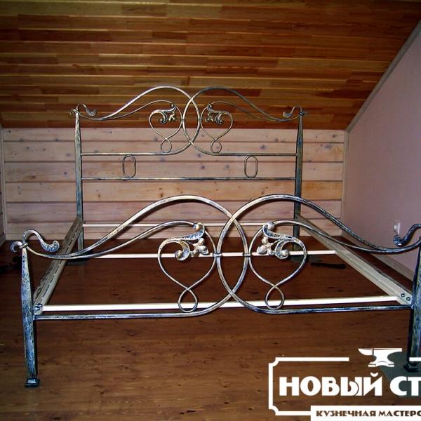Кровать кованая